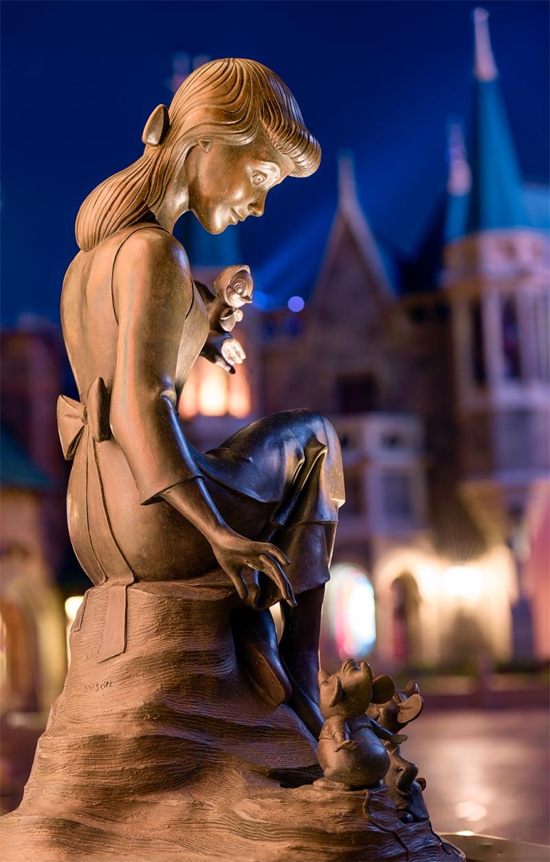Cinderella Fountain Statue